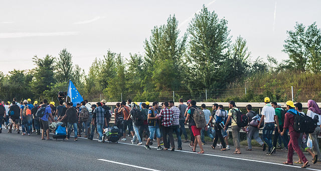 640px-Refugee_march_Hungary_2015-09-04_02