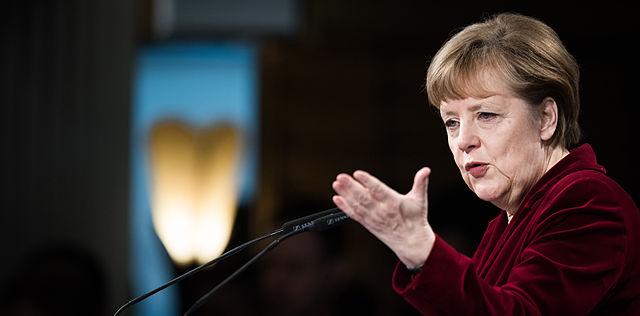 Foto: Kleinschmidt / MSC, sursa: https://www.securityconference.de/uploads/tx_tvmediacenter/MSC15_SAT_Kleinschmidt_Merkel.jpg