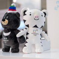 640px-2018_Winter_Olympics_&_Paralympics_mascots_(38332667051)